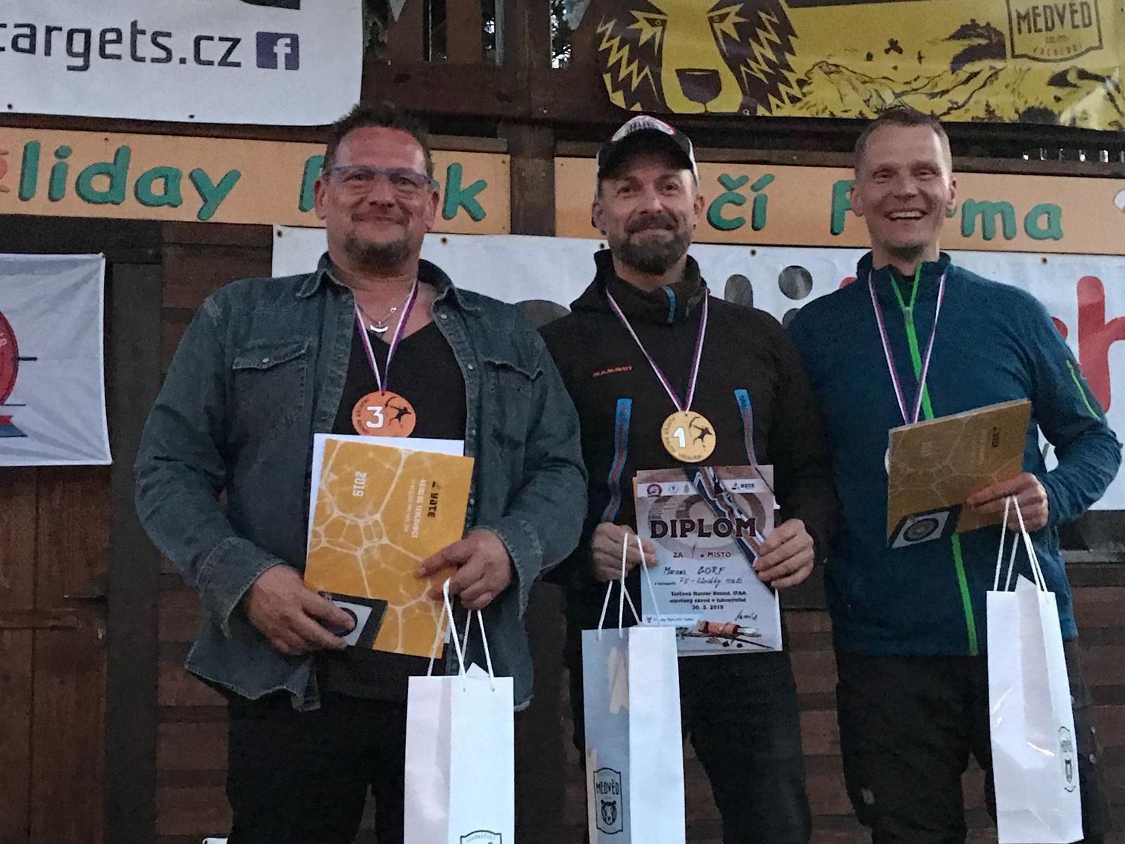 Frank Scharsach  holt Silber bei der IFAA Hunterround in Tschechien